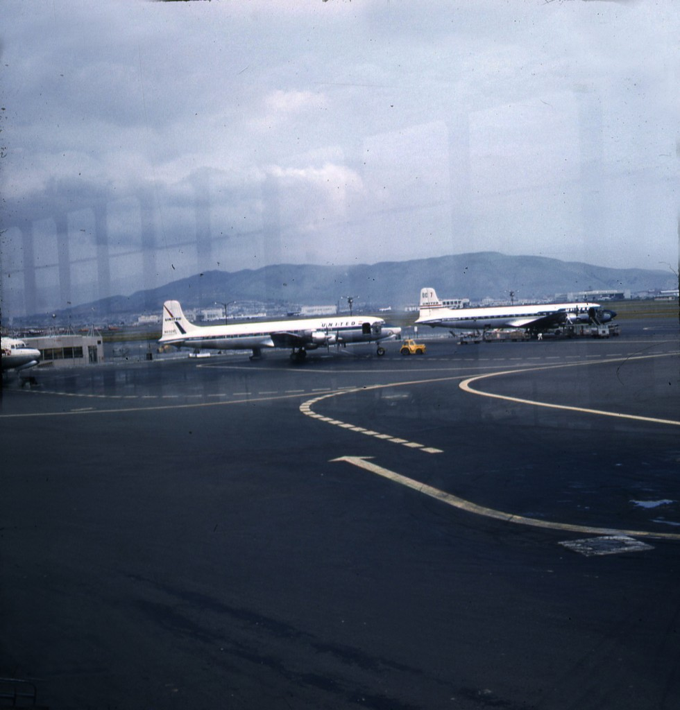 UNITED AIRLINES SF AIRPORT 1958