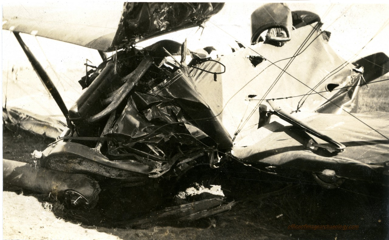 CRASH FLOYD BENNETT AIRPORT 01