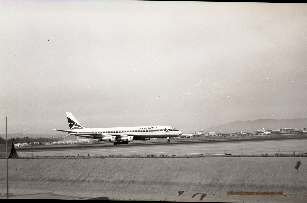 Delta Air SFI Jan 1972