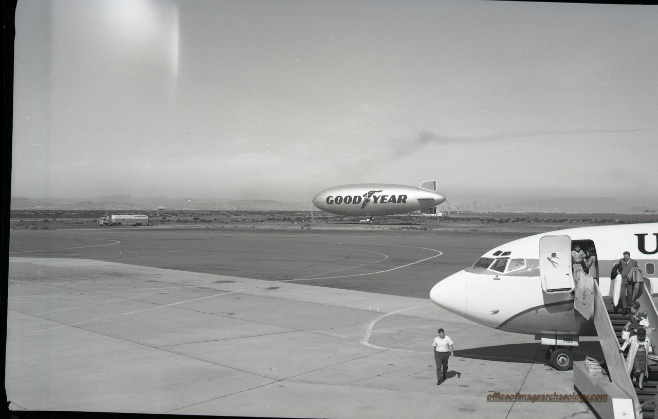 Goodyear Blimp Columbia Oakland IA Sept 1970
