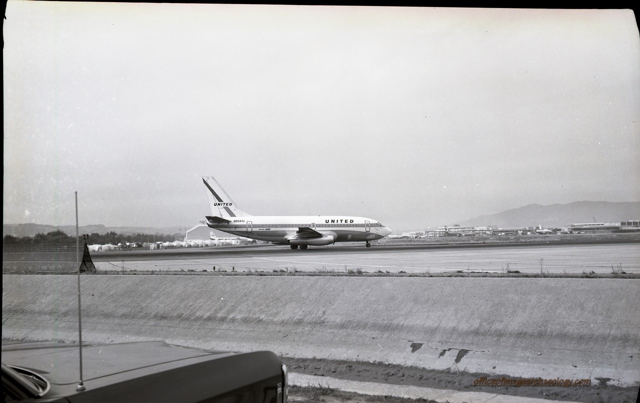 United Air N9041u SFI Jan1972