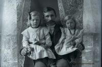 GLASS NEGATIVE PLACER COUNTY FAMILY 1898 05